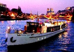 高級クルーズ船ヨット・ド・パリ セーヌ川ディナークルーズ (専用車送迎付)