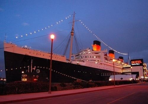 豪華客船クィーンメリー号ディナー&夜景フライト